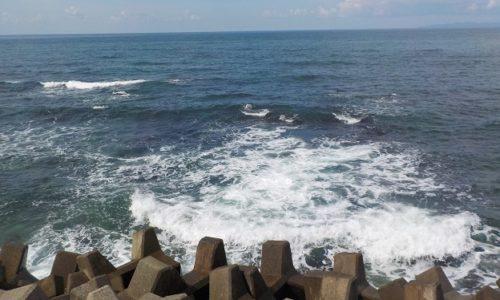 波のできる理由 波の原因 波のメカニズム 波のおこり
